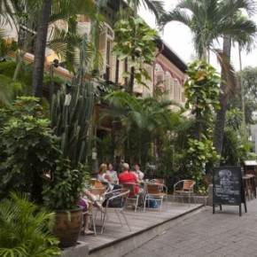 A Guide to Restaurants and Bars on Emerald Hill, Singapore